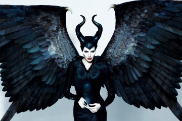 angelina-jolie-in-maleficent-2014-2560x1600-wide-wallpapers.net_