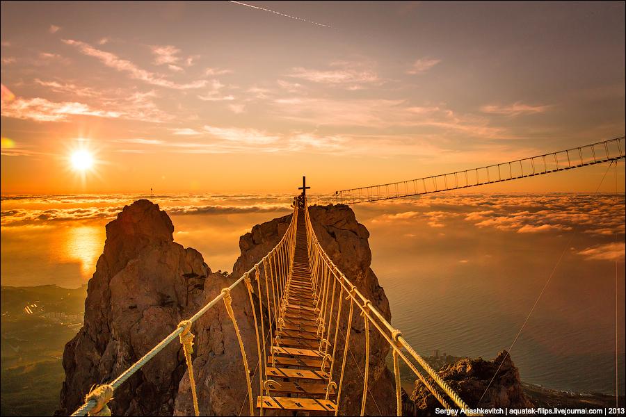 """Когда рушатся мосты   О  повести Торнтона Уайлдера """"Мост короля Людовика Святого"""""""